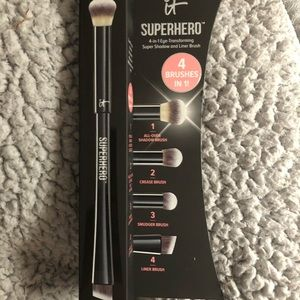 It SUPERHERO brush